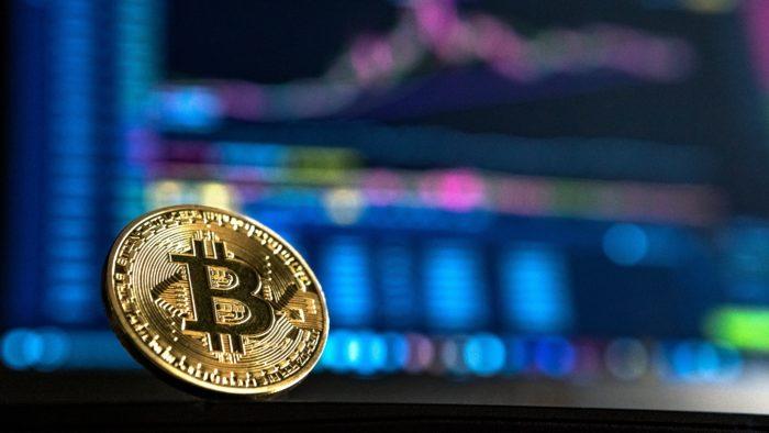 Bitcoin Imagem: Andre Francois/Unsplash)