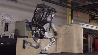 Robô da Boston Dynamics consegue fazer parkour