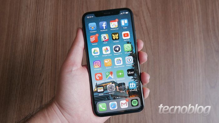Apple teria cortado produção do iPhone em 10%