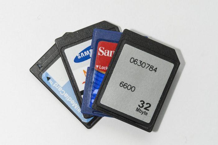 Esa Ruitta / cartões de memória / Pixabay / como recuperar cartão de memória corrompido