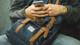 Por que o corretor de texto do iPhone erra tanto?