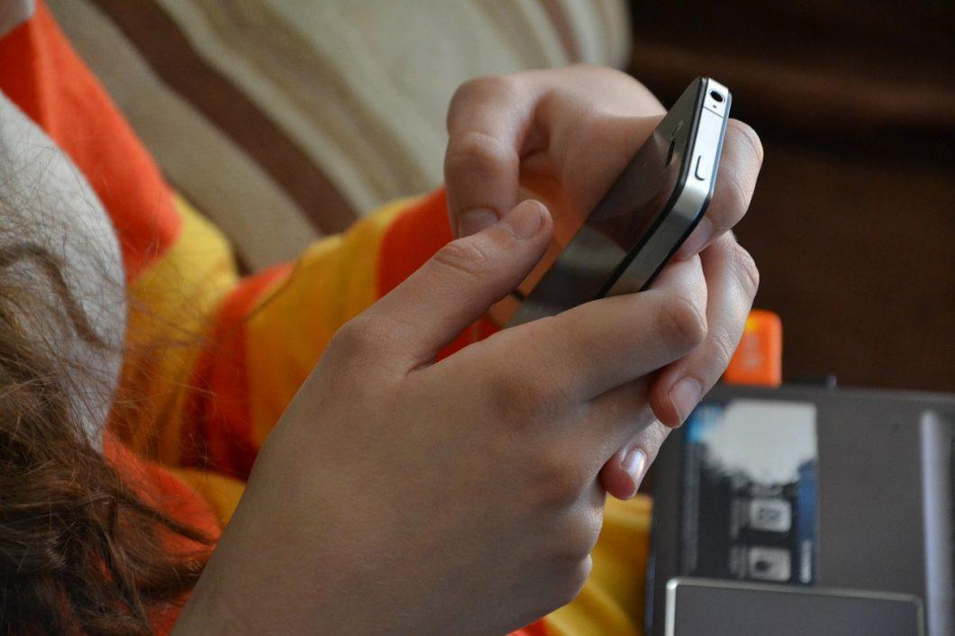 kropekk_pl / iPhone / descobrir quem é o dono de um número de celular