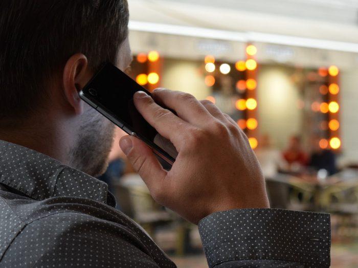 Mimzy / chamada / descobrir quem é o dono de um número de celular