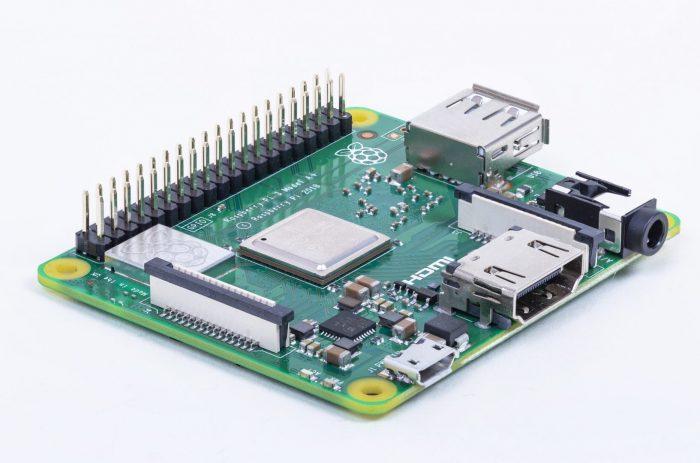 Raspberry Pi 4 Model B tem 4 GB de RAM e suporte a 4K por US
