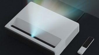 Xiaomi lança projetor laser de 150 polegadas com Android TV por US$ 2 mil