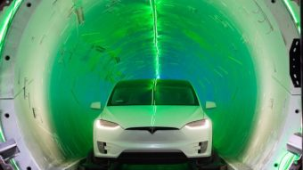 Elon Musk demonstra primeiro túnel de testes da Boring Company para carros