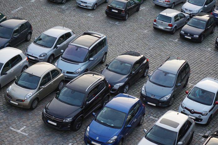 Fill / estacionamento / Pixabay