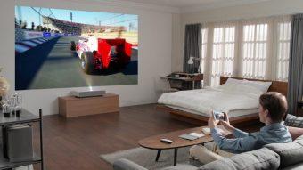 Projetor laser 4K da LG cria imagens de até 120 polegadas a 18 cm da parede