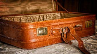 Como medir o tamanho da sua bagagem de mão com o celular