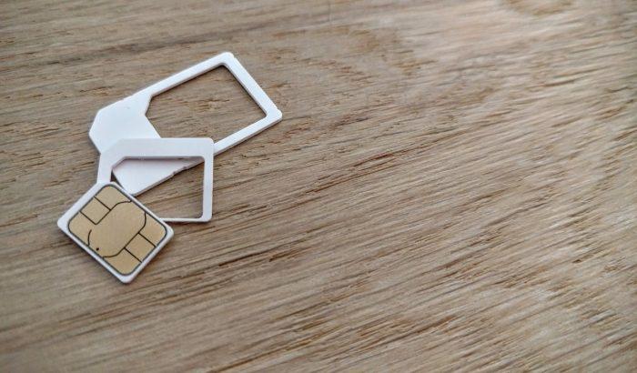 Andrew Becks / cartão nano-SIM e adaptadores / como colocar o chip no iphone
