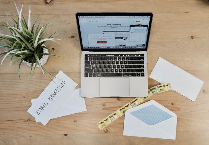 e-mail marketing / campaign-creators / unsplash