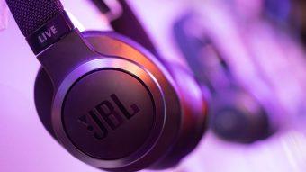 JBL Live é fone de ouvido com Google Assistente e Alexa