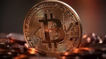 Bitcoin bate US$ 10 mil pela primeira vez desde março de 2018