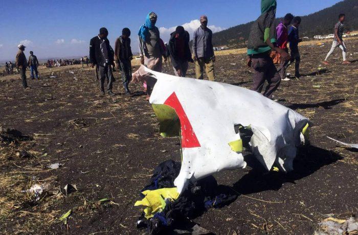 Queda do avião da Ethiopian Airlines (foto: Tika Negeri/Reuters)