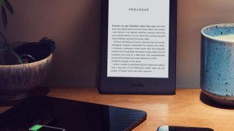 Amazon lança nova geração do Kindle mais simples, agora com luz na tela