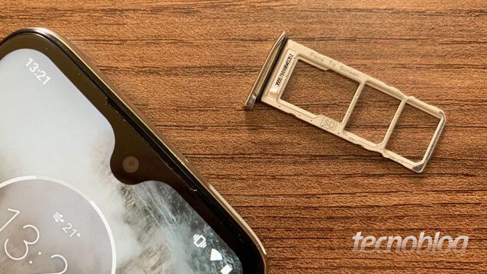 Gaveta de SIM Card em smartphone da Motorola