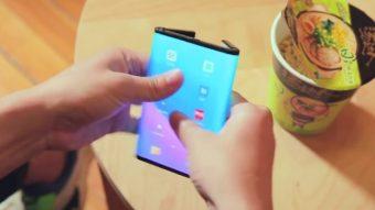 Xiaomi demonstra celular duplamente dobrável em novo vídeo