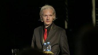 Julian Assange vai enfrentar 17 novas acusações de espionagem dos EUA