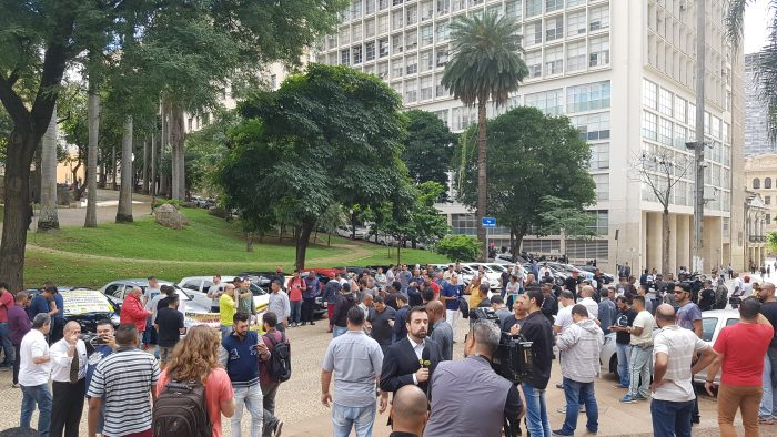 Manifestação de motoristas brasileiros é direcionada a Uber, 99, Cabify, Wappa e Lady Driver (Foto: Victor Hugo Silva/Tecnoblog)