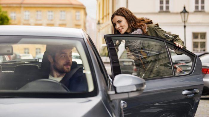 Motorista e passageiro / uber preço