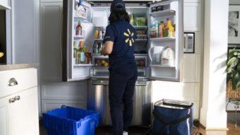 Em disputa com Amazon, Walmart leva compras da loja para a geladeira