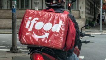 Projeto de lei em SP quer obrigar placa vermelha a entregadores de aplicativos