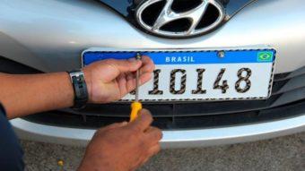 Governo adia outra vez adoção da placa veicular Mercosul e muda regras