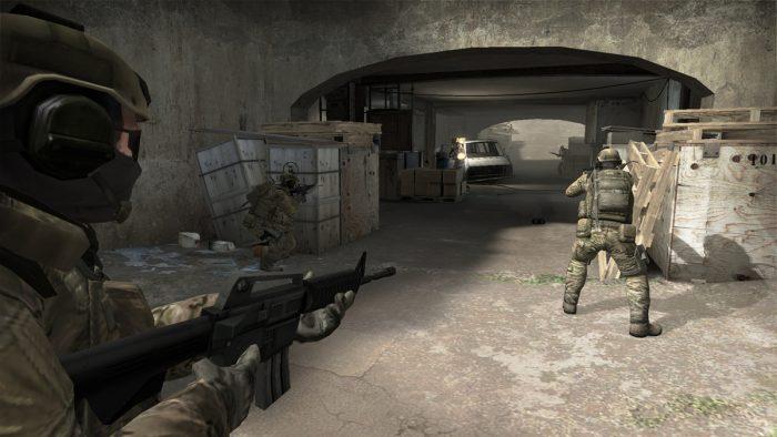 Como mudar a arma de mão no CS:GO