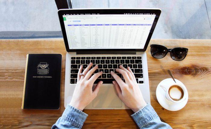 Pexels / MacBook / smc mac