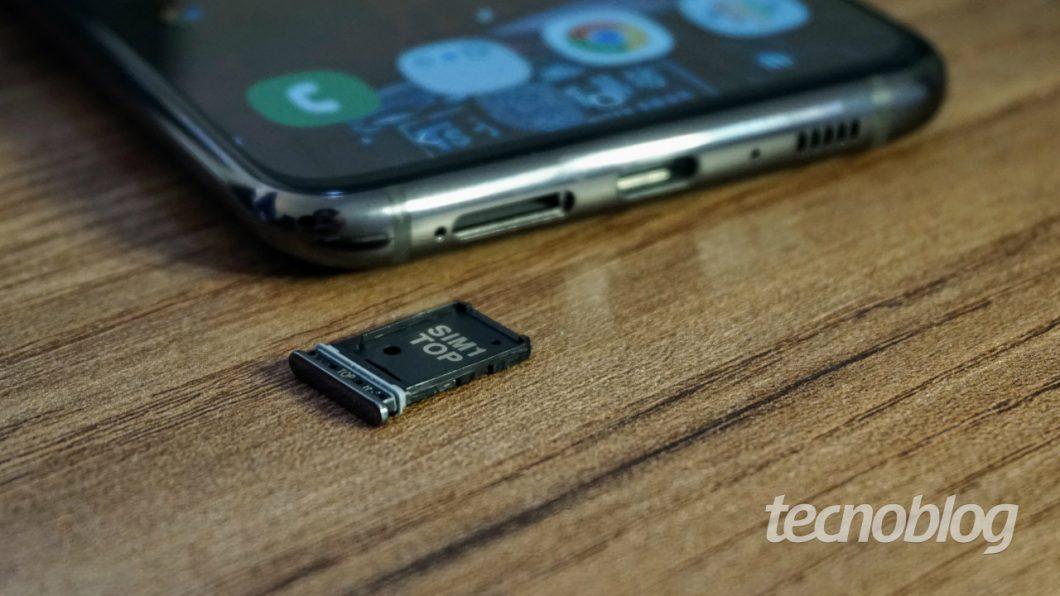 Galaxy A80 com um SIM card