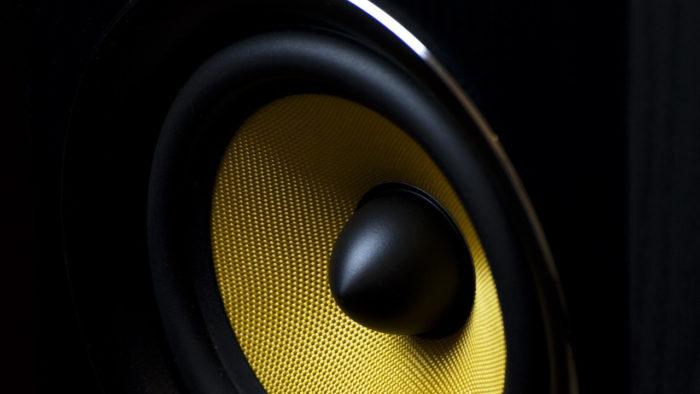 Republica / caixa de som / aumentar volume no máximo