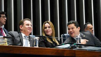 Senado aprova mudanças na lei das teles que beneficiam Oi e Vivo