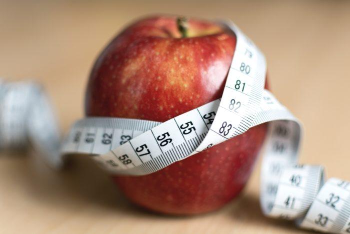 Maça - fita métrica (foto: LibreShot)