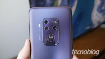 Motorola One Zoom é atualizado para Android 10 no Brasil