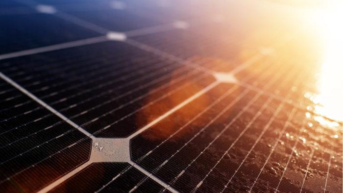 Bru-nO / painéis solares / Pixabay / estrada solar