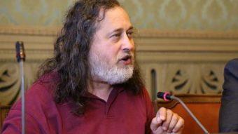 Volta de Stallman causa indignação, mas FSF não quer dispensá-lo