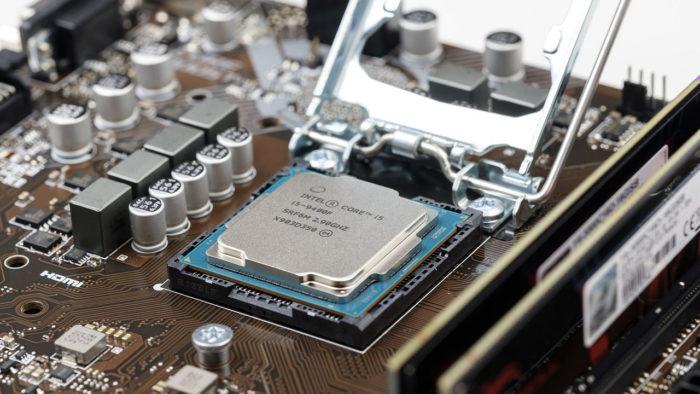 Bru-nO / placa-mãe e processador / Pixabay / o que é hardware