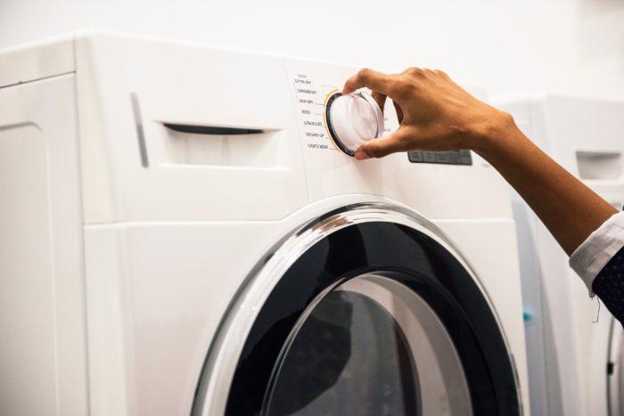 Máquina de lavar ( Photo by rawpixel.com from Pexels)
