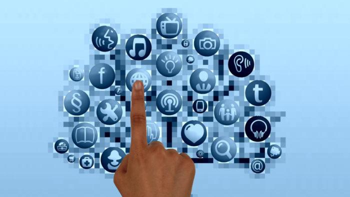 geralt / redes sociais / Pixabay / qual foi a primeira rede social criada na internet