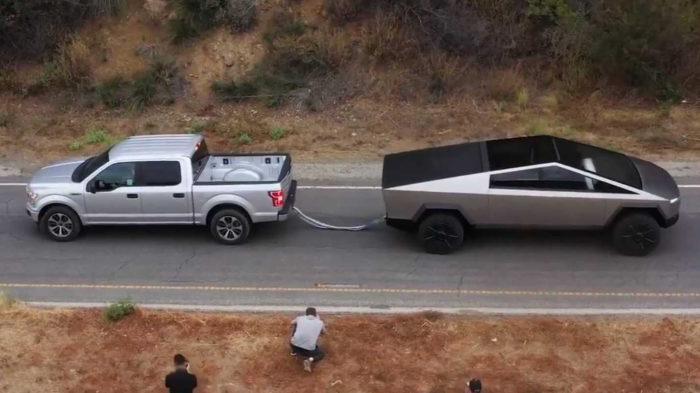 Ford F-150 e Tesla Cybertruck