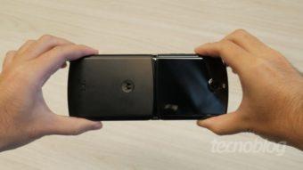 Donos do Motorola Razr se queixam de ruído na tela dobrável
