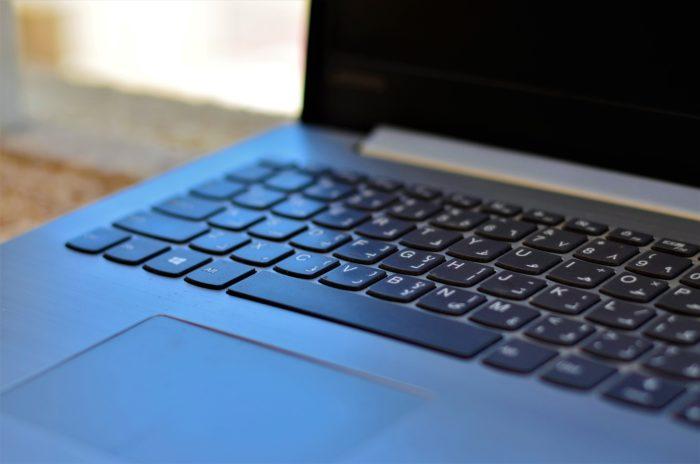 haidan-soendawy-espaco-teclado-unsplash