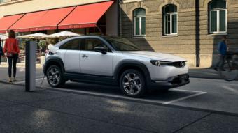 Mazda diz que carros elétricos podem ser piores que diesel para o ambiente, mas calma