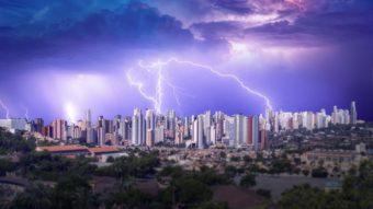 Como proteger equipamentos eletrônicos durante tempestades