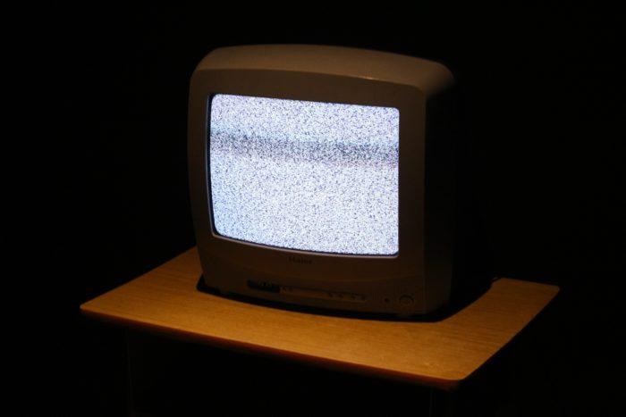 tv de tubo / unsplash /