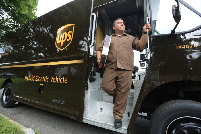 Carro híbrido da UPS