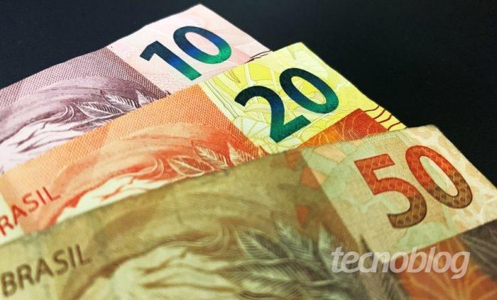 Notas de 10, 20 e 50 reais