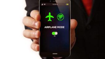 O que acontece se você não usar o Modo Avião durante um voo?