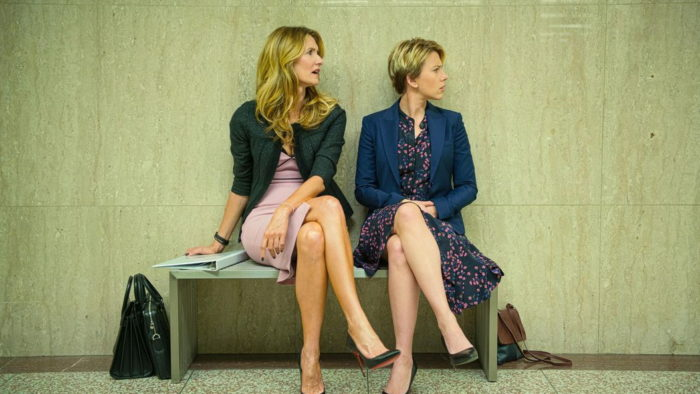 Laura Dern e Scarlett Johansson em História de um Casamento (Netflix)