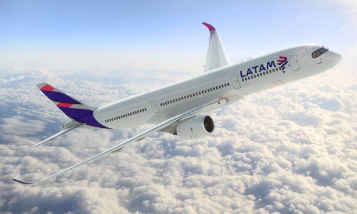 Avião da LATAM / modo avião